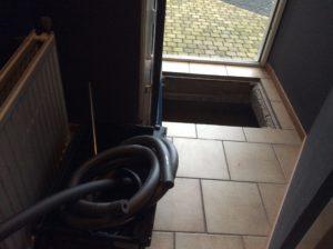 materiaal voor het installatiewerk onder de vloer